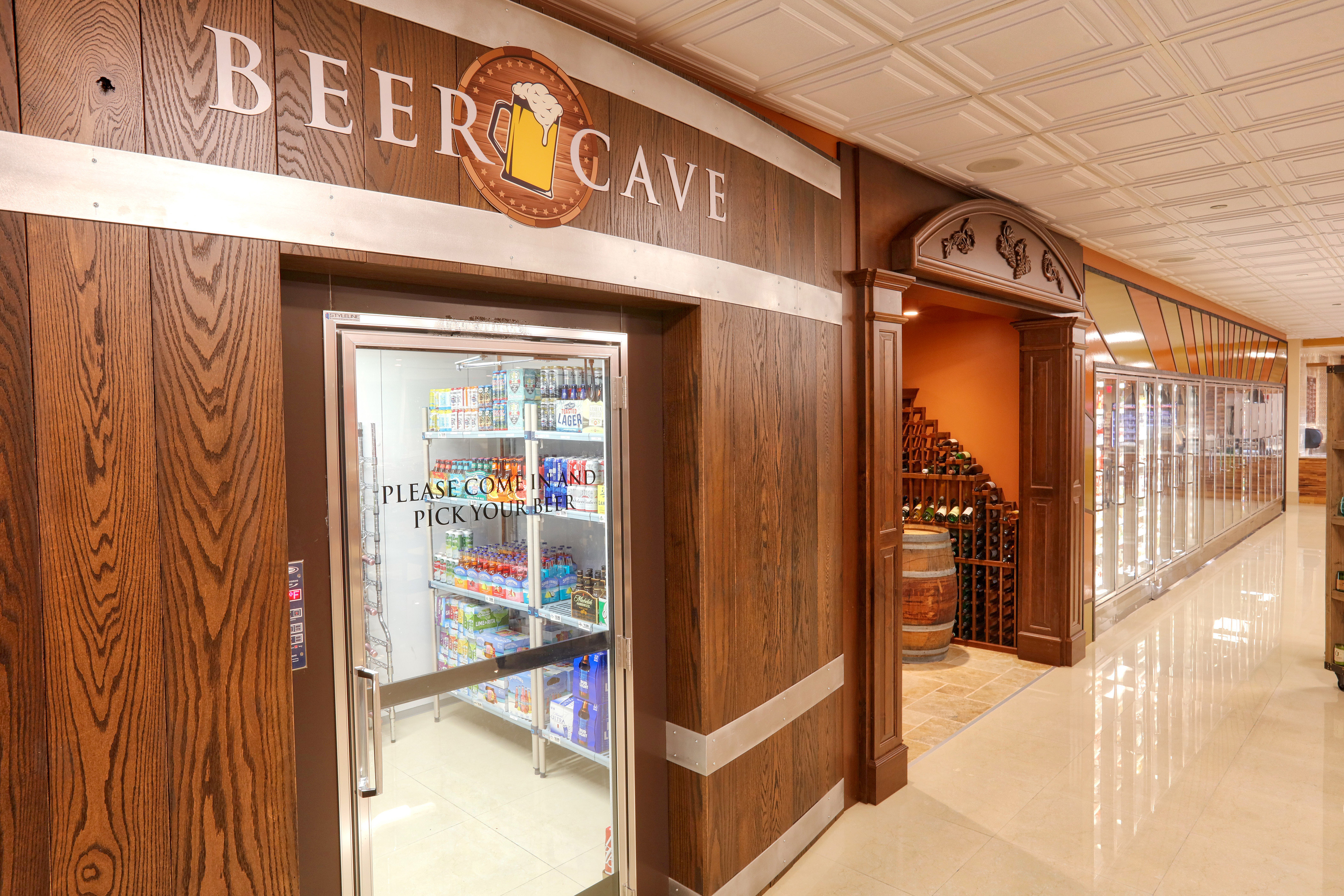 Marketplace Deli Beer Cave at hotel in Orlando, FL |  Westgate Lakes Resort & Spa | Westgate Resorts