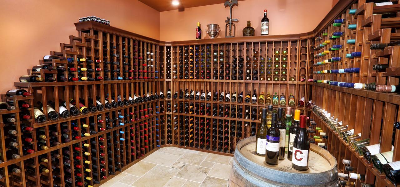 Wine Selection at Marketplace Deli at hotel in Orlando, FL    Westgate Lakes Resort & Spa   Westgate Resort