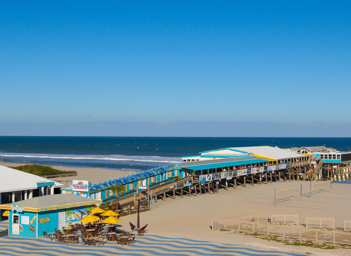 Cocoa Beach Pier Opens New End Of Tiki Bar