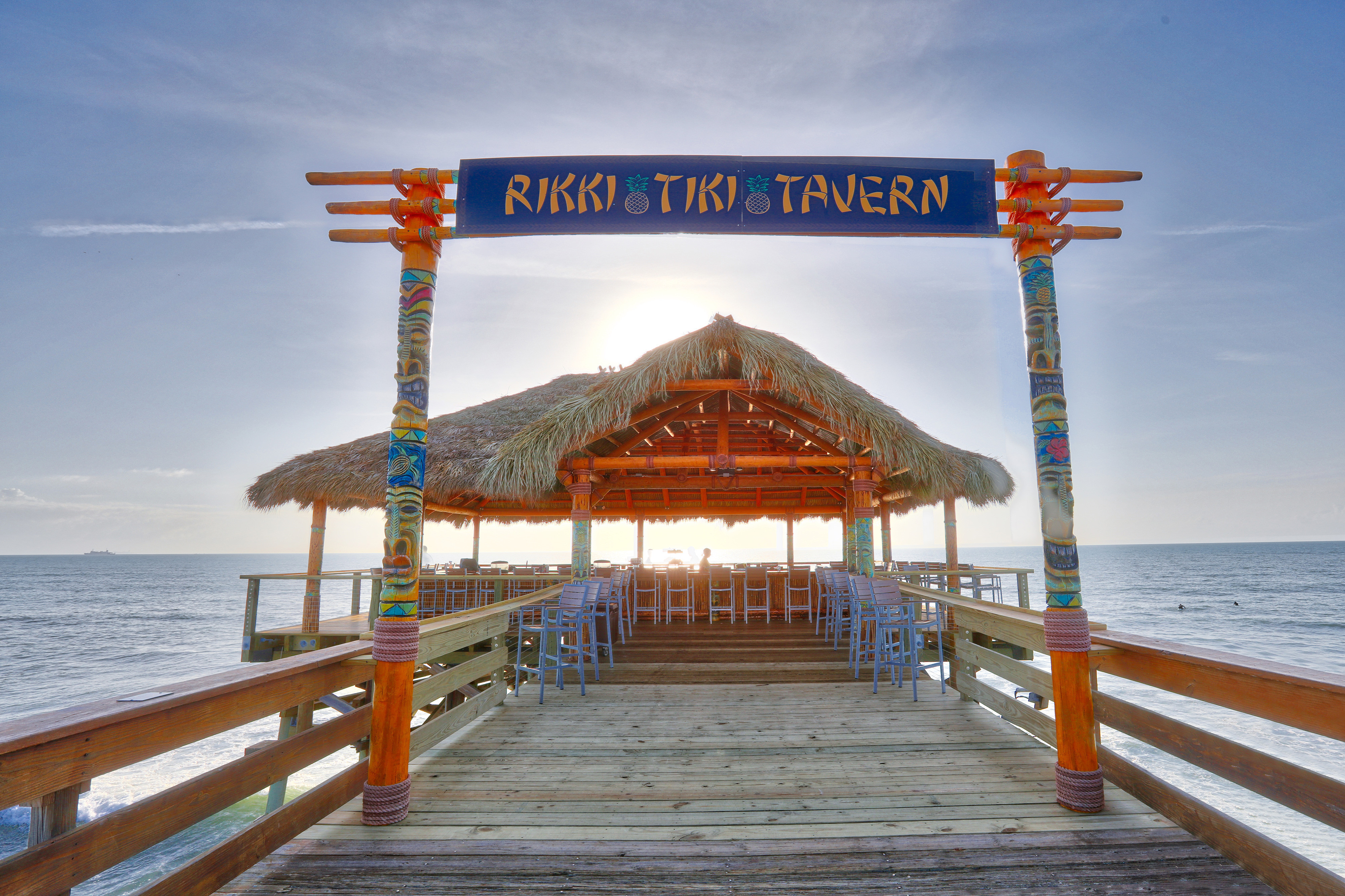 Rikki Tiki Tavern Cocoa Beach Pier near our Cocoa Beach Oceanfront Hotels | Wakulla Suites A Westgate Resort | Westgate Cocoa Beach Resorts