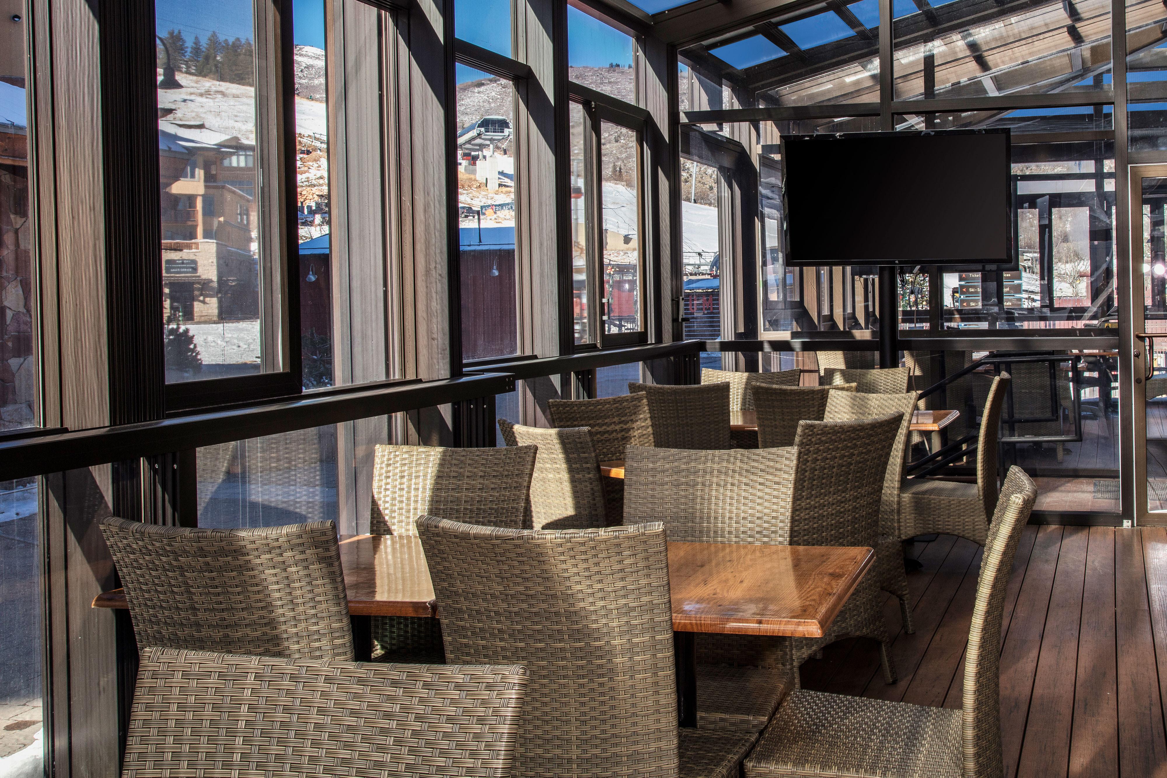 Restaurant Seating at Drafts Burger Bar in Park City Utah   Westgate Park City Resort & Spa   Westgate Resorts Dining