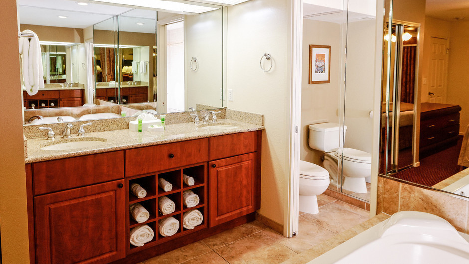 Bathroom in Two Bedroom Villa at our Flamingo Las Vegas hotel | Westgate Flamingo Bay Resort | Westgate Resorts in Las Vegas NV