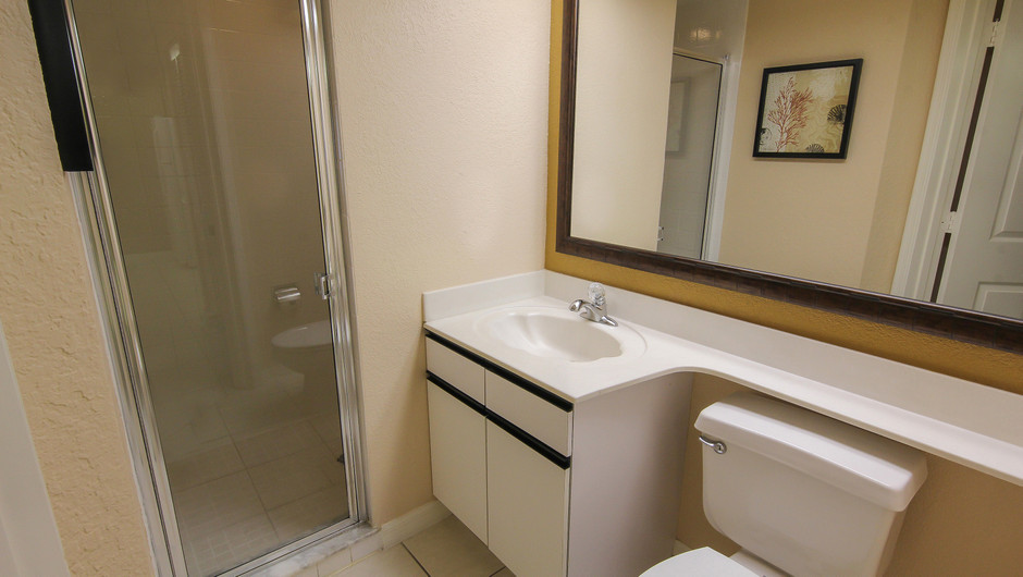 2nd Bathroom in 2 bedroom suite in Orlando, FL | Westgate Vacation Villas Resort & Spa | Orlando, FL | Westgate Resorts