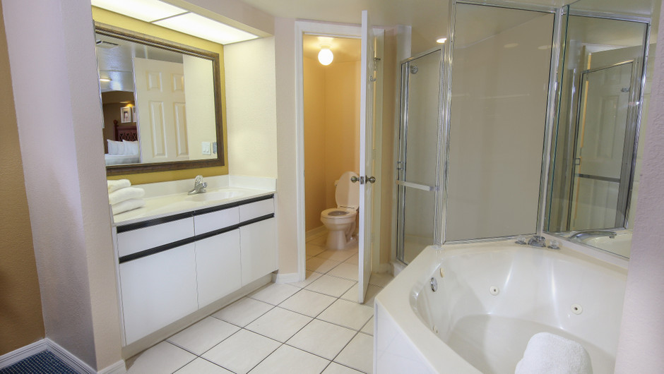 Bathroom in 2 bedroom suite in Orlando, FL | Westgate Vacation Villas Resort & Spa | Orlando, FL | Westgate Resorts