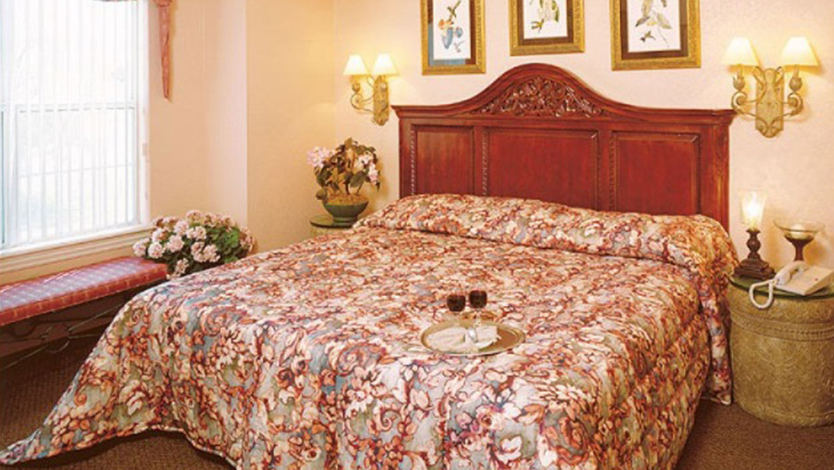 Westgate Tunica Resort one-bedroom deluxe villa features a king bed in the master bedroom