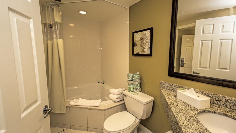 Bathroom | Deluxe Studio Villa | Westgate Town Center Resort & Spa | Westgate Resorts