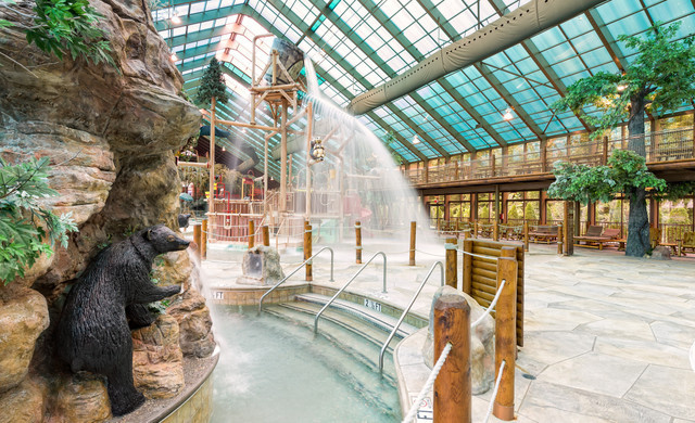 Wild Bear Falls Water Parks in TN | Indoor Water Park Resorts | Westgate Smoky Mountain Resort & Spa
