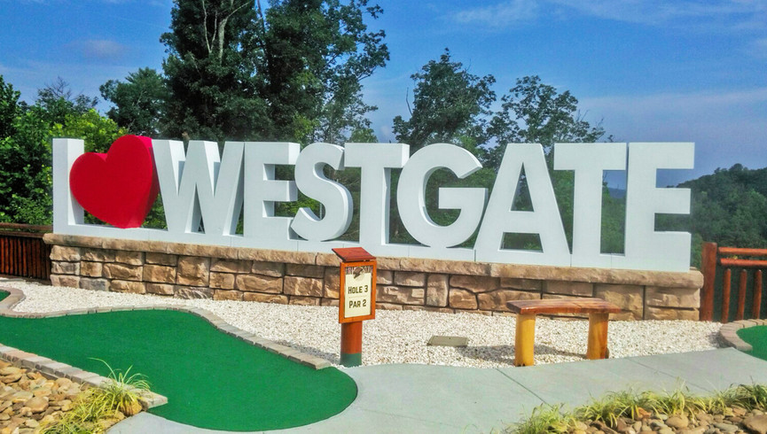 Mini Golf Course at our Hotels near Smoky Mountains TN | Westgate Smoky Mountain Resort & Spa | Westgate Resorts