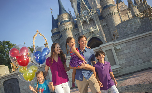 Family at Disney Orlando near Orlando resorts | Westgate Towers Resort | Westgate Resorts