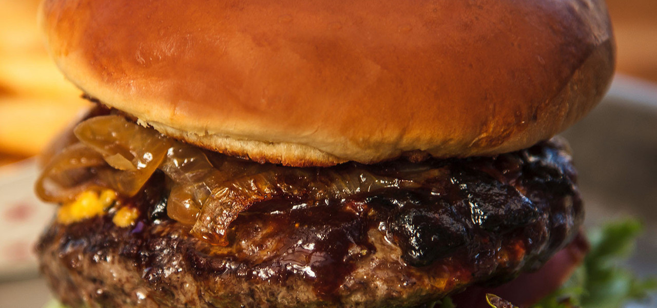 Barbecue Burger at Drafts Burger Bar in the Park City Resort in Utah | Westgate Park City Resort & Spa | Westgate Resorts