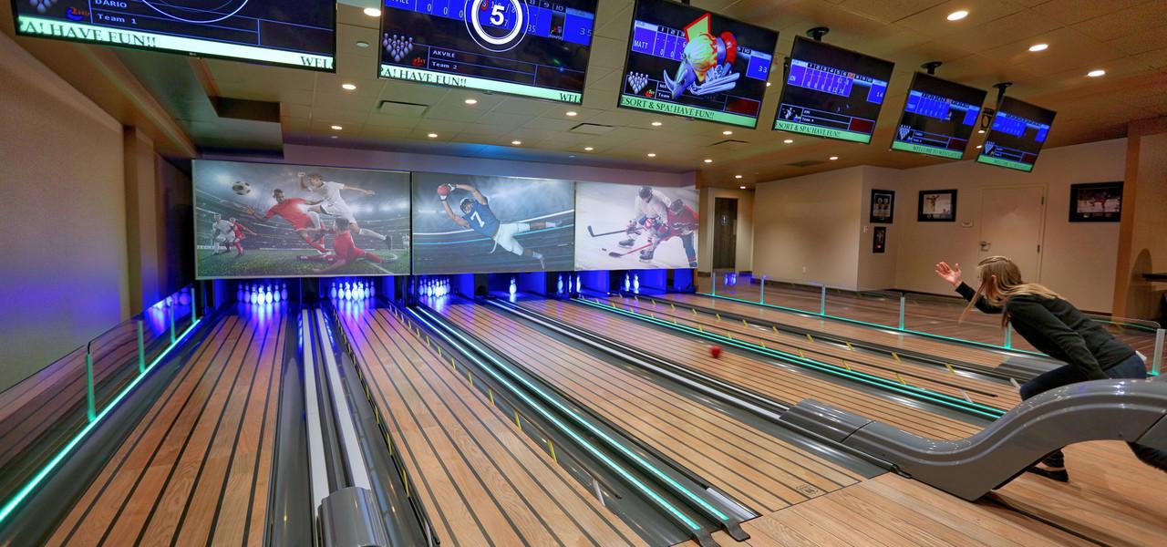 Bowling at Drafts Sports Bar in Orlando, FL |  Westgate Lakes Resort & Spa | Westgate Resorts
