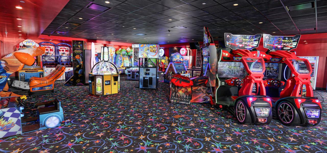 Arcade at Drafts Sports Bar in Orlando, FL |  Westgate Lakes Resort & Spa | Westgate Resorts