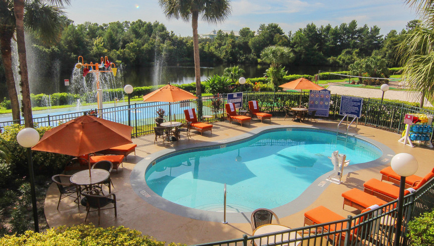 Pool and hot tubs at one of our leisure resorts near Seaworld Orlando FL   Westgate Leisure Resort   Westgate Resorts