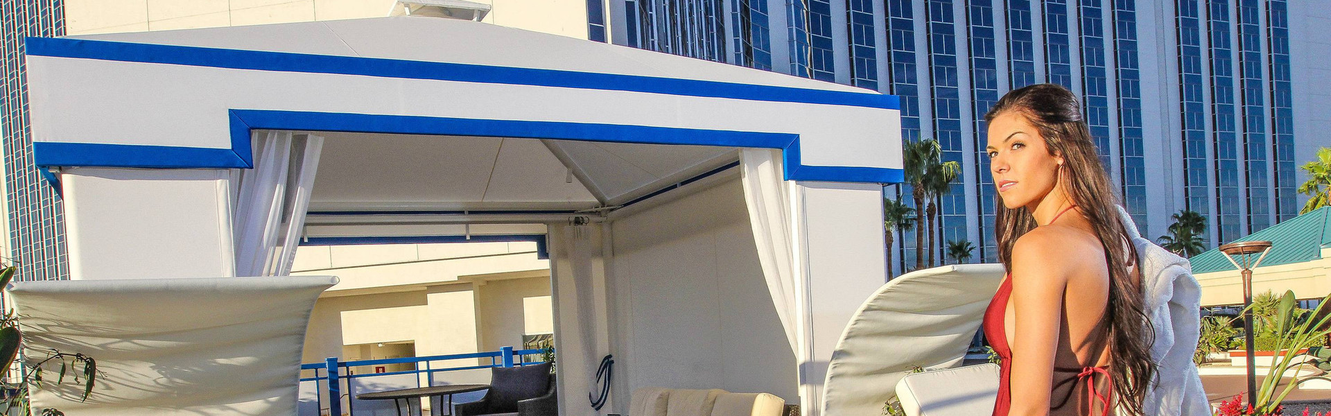 Las Vegas Monorail Hotels with Pool and Cabanas | Westgate Las Vegas Resort & Casino