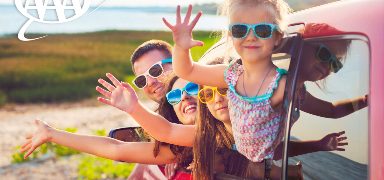 Family Getting AAA Resort Discounts   Westgate Blue Tree Resort   AAA Resort Rates Near Sea World, Orlando, FL 32836