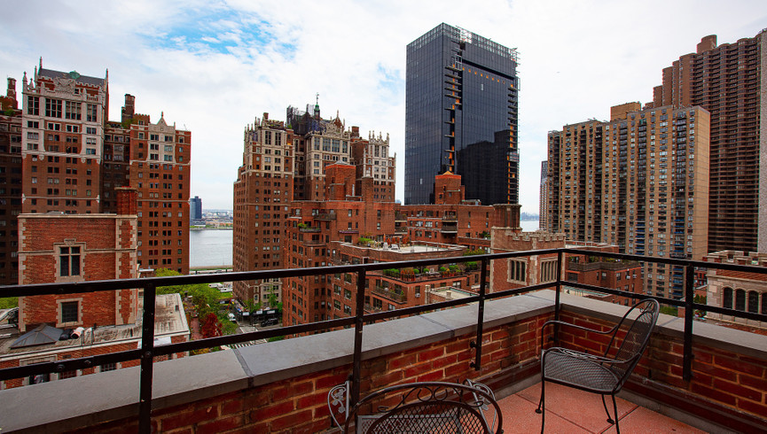 Balcony view from hotel Near Grand Central Terminal NYC | Westgate New York Grand Central Hotel