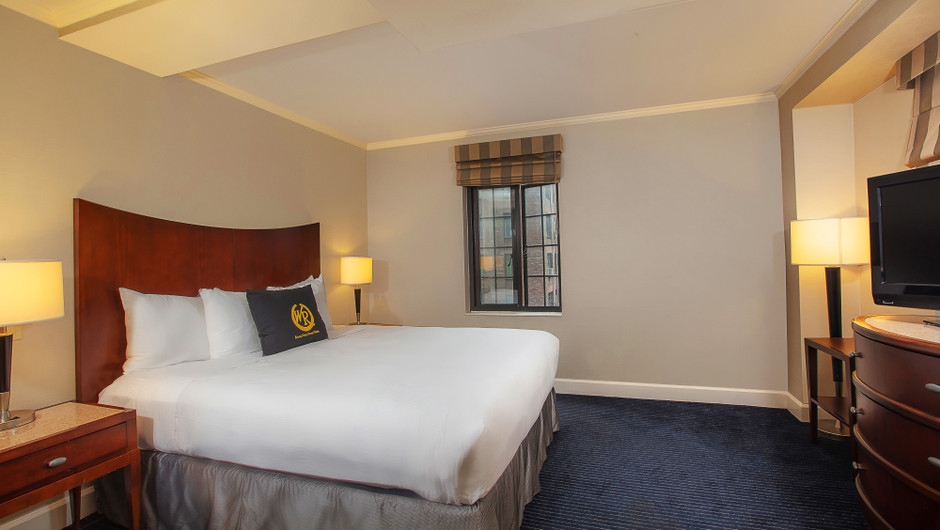 Signature King Hotel Room in Midtown Manhattan East | Westgate New York City | New York Hotel Rooms