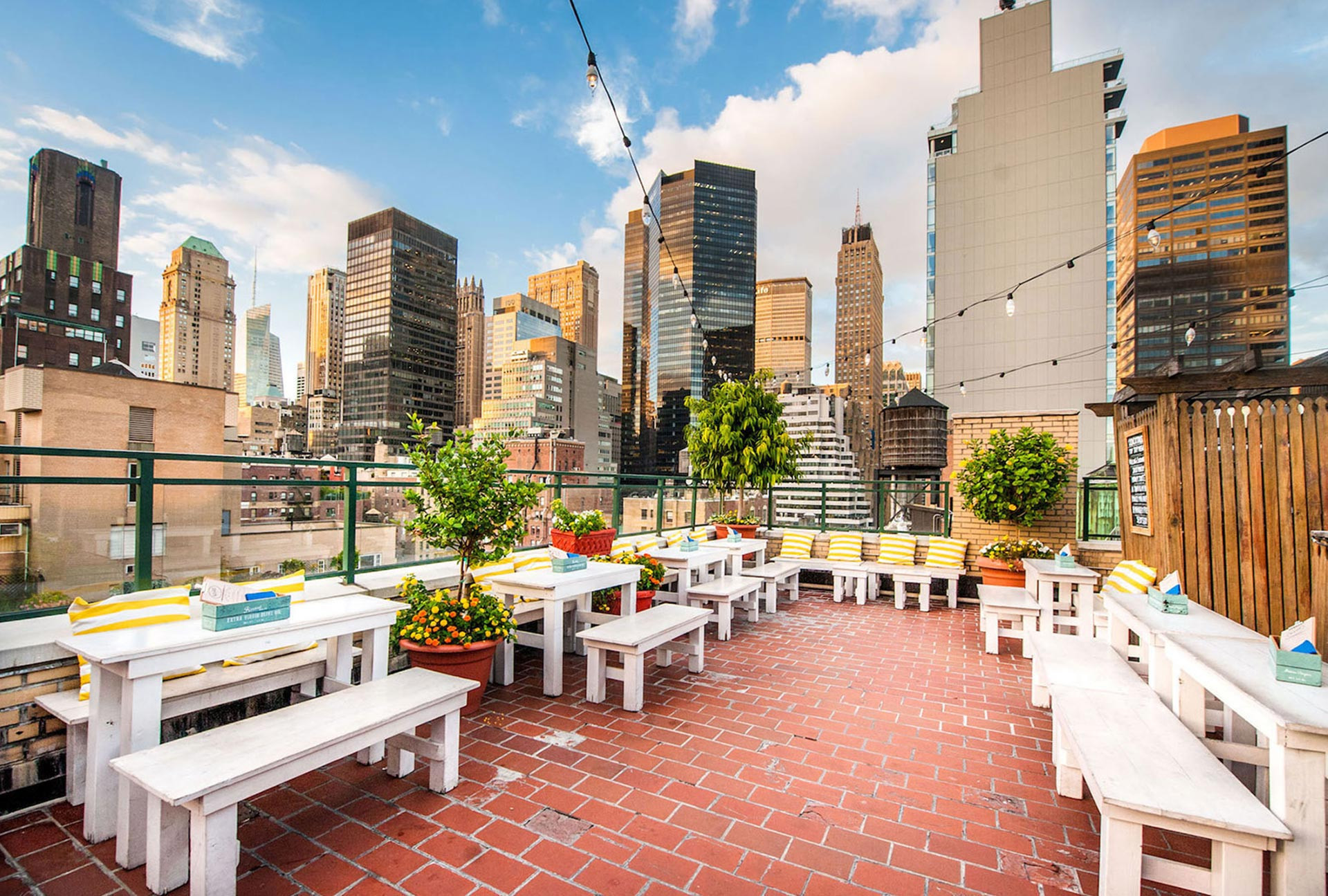 The 6 Best Rooftop Bars Midtown East New York City Has To ...