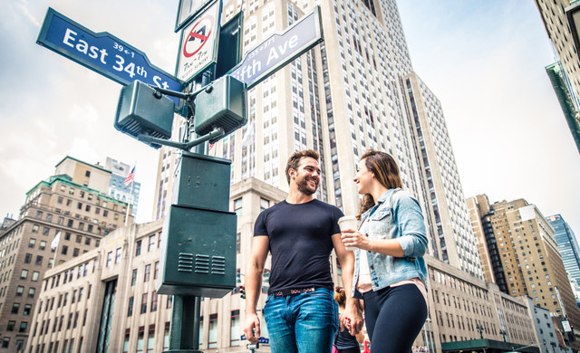 Happy couple looking for things to do in NYC near our Hotel close to Grand Central Station | Westgate New York Grand Central