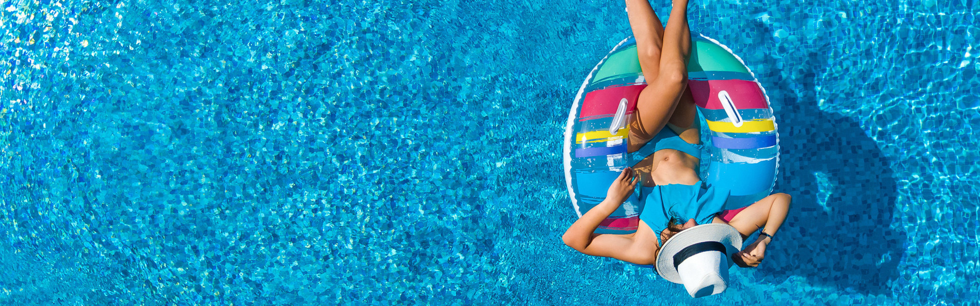 Floating by the poolside bar | Poolside Resorts in Orlando, FL | Westgate Lakes Resort & Spa