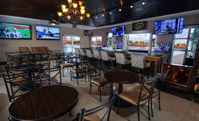 Drafts Sports Bar & Grill Express in Orlando, FL 32819 | Sports Bars Near International Drive | Westgate Palace Resort