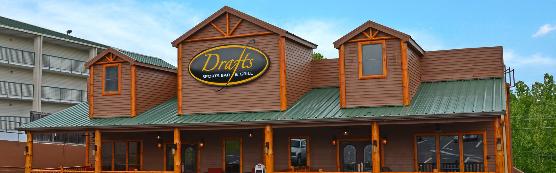 Outside the best sports bar in Branson, MO | Menu For Drafts Sports Grill | Westgate Branson Woods Resort