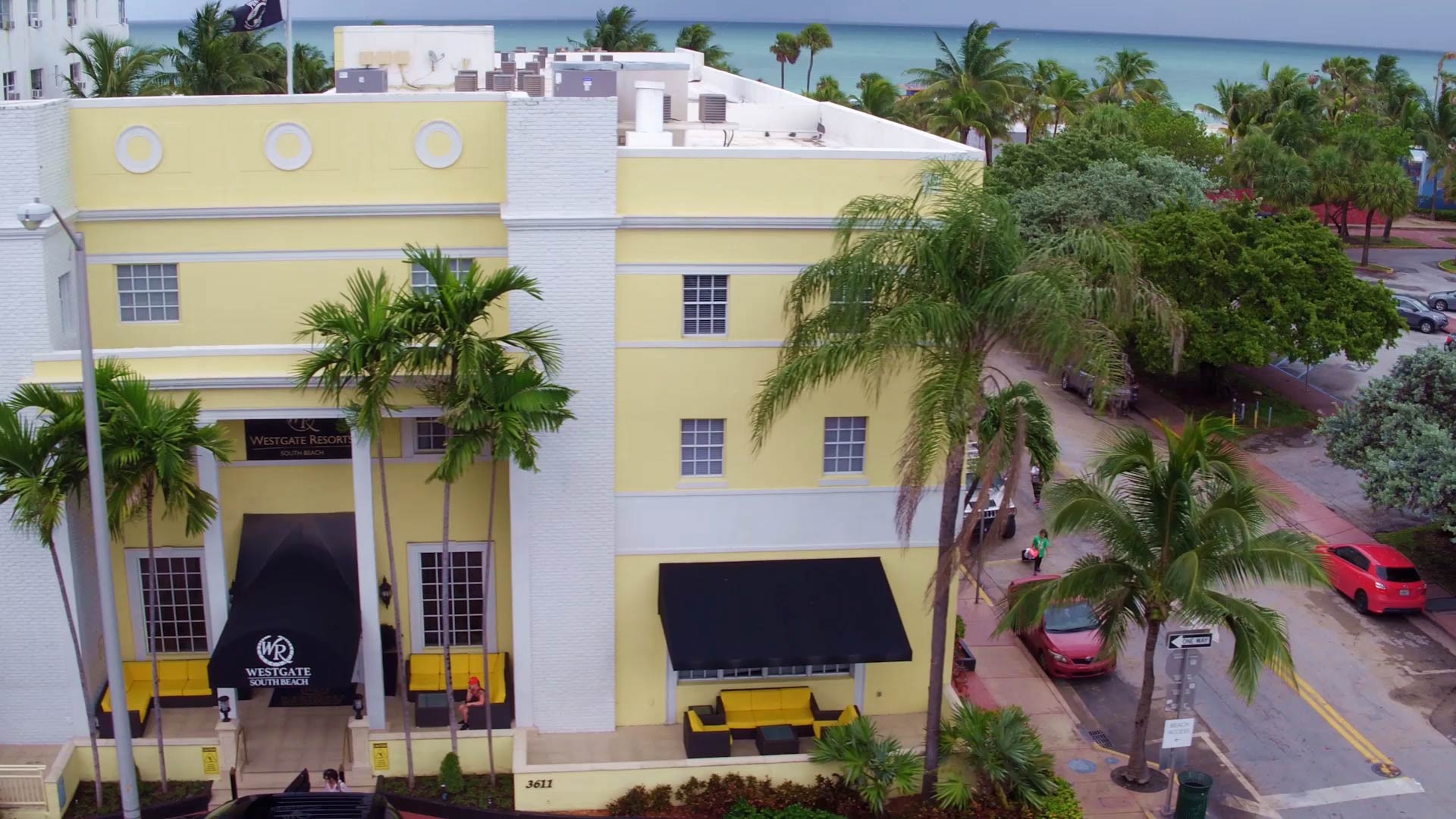 A beachfront resort hotel, Westgate South Beach Resort features spacious one- and two-bedroom villas, as well as abundant onsite amenities such as beach access, heated outdoor pool, private cabanas, volleyball court, playground and fire pits.