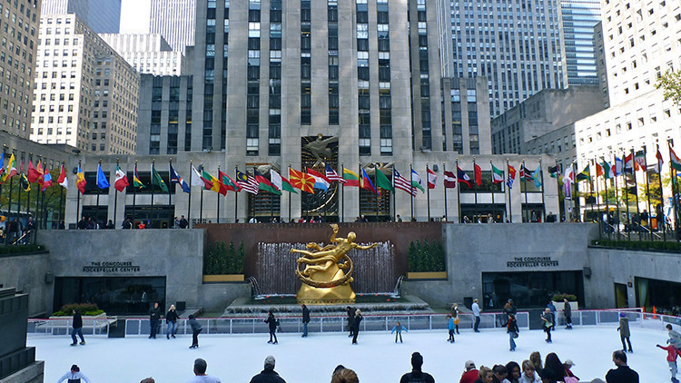 Ice Skating at Rockefeller Center | The 10 Best Winter Activities for Toddlers NYC Has to Offer | Winter Activities in New York City