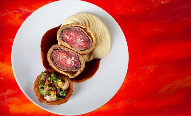 Enjoy a delicious meal and elegant surroundings at Edge Steakhouse in Las Vegas, NV at Westgate Las Vegas Resort & Casino