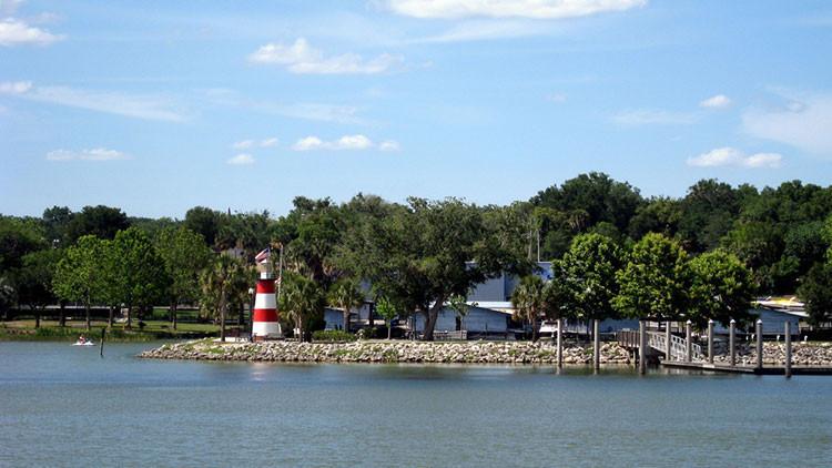 Mount Dora | 8 Romantic Getaways in Florida in February! | Florida Getaways & Day Trips | Westgate Resorts