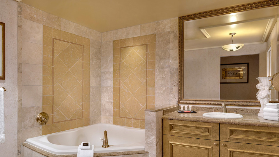 Relax and unwind on your Vegas vacation getaway with a jacuzzi tub in the Napa Suite at Westgate Las Vegas Resort & Casino.