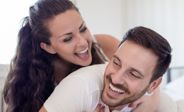 Happy Couple After Getting Tristate NYC Hotel Rates | Hotel Discounts For Residents of New York, New Jersey & Connecticut