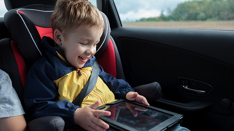 Entertainment in the Car on Road Trips | 9 Ultimate Family Road Trip Planning Ideas You Need To Try! | Best Family Road Trips | Westgate Resorts