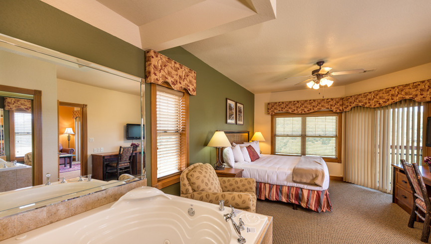 Accommodations for our Branson Missouri wedding packages with reception at Westgate Branson Woods Resort in MO.