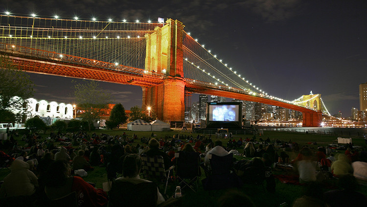 Movies With A View Under The Brooklyn Bridge | The Ultimate Guide to Free Outdoor Movies in NYC for 2019