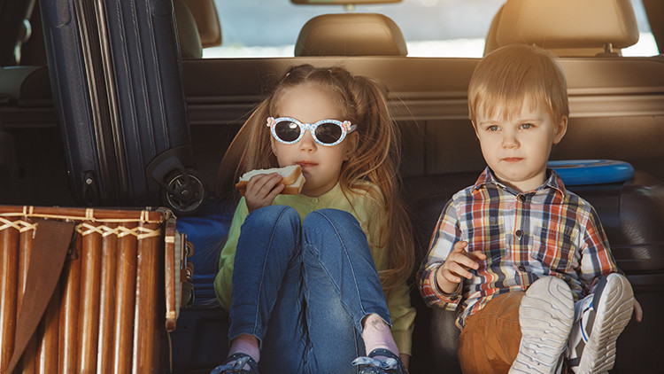 Avoid Mealtime Meltdowns | Stress Free Family Vacations | 10 Stress-Free Family Vacation Tips To Take On Any Challenge!