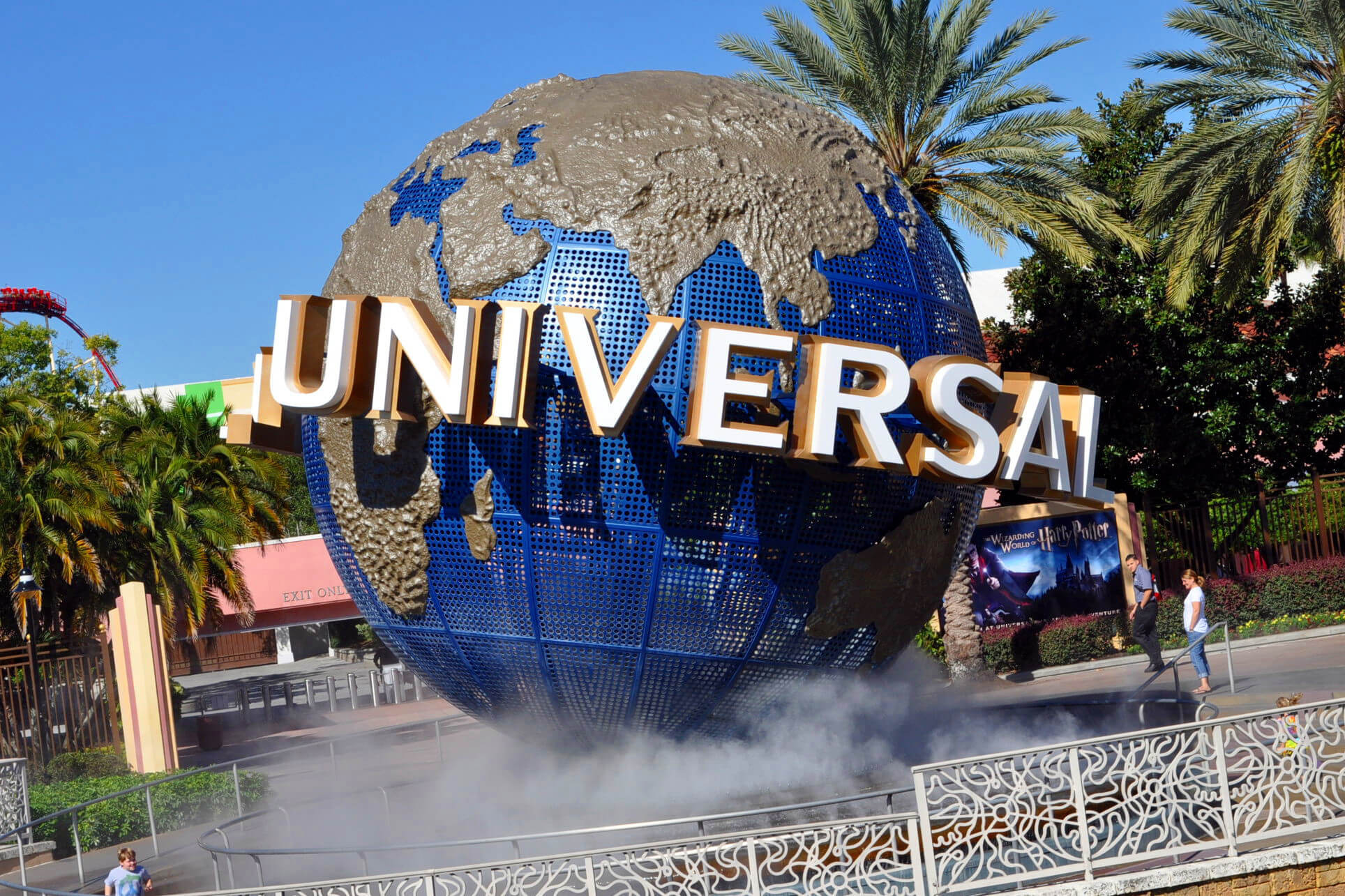 Iconic Universal Studios Sign in front of Universal Orlando Resort | Westgate Lakes Resort & Spa