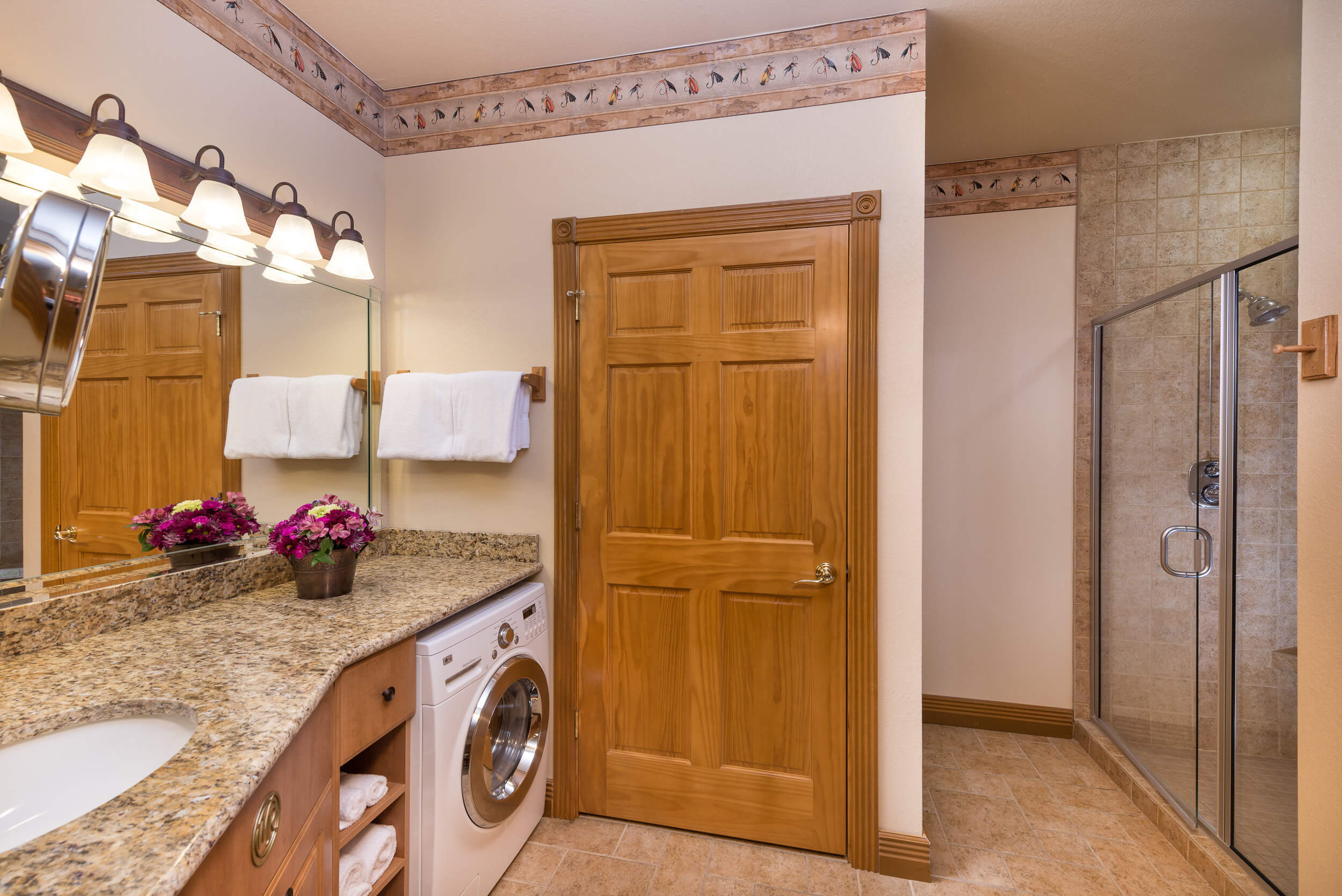 Full Bath in Two-Bedroom Grand Villa | Westgate Branson Woods Resort | Westgate Resorts