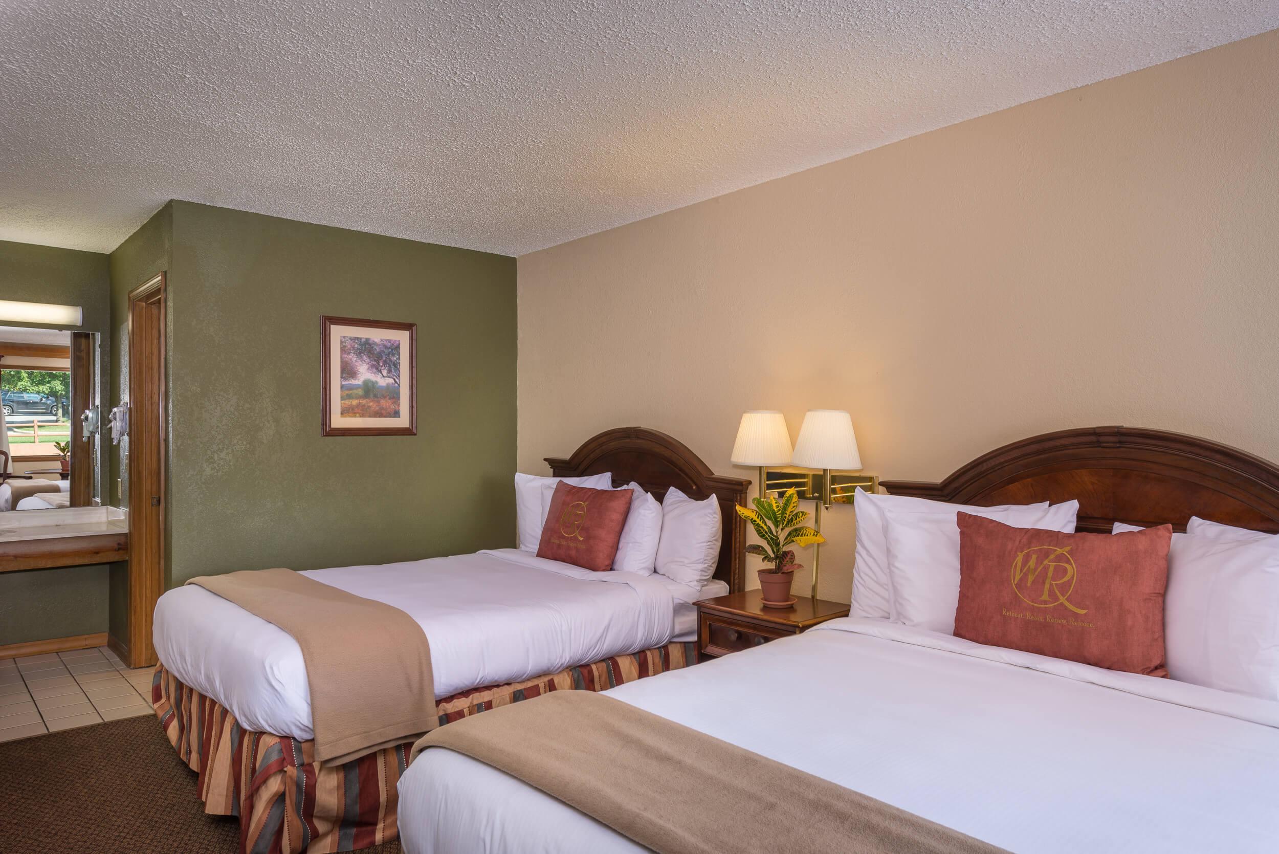 Traditional Queen Guestroom Beds | Westgate Branson Woods Resort | Westgate Resorts