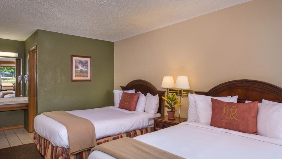 Traditional Queen Guestroom Beds   Westgate Branson Woods Resort   Westgate Resorts