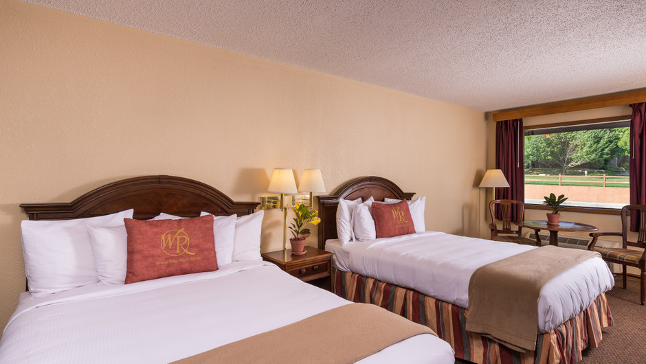 Traditional Queen Guestroom   Westgate Branson Woods Resort   Westgate Resorts
