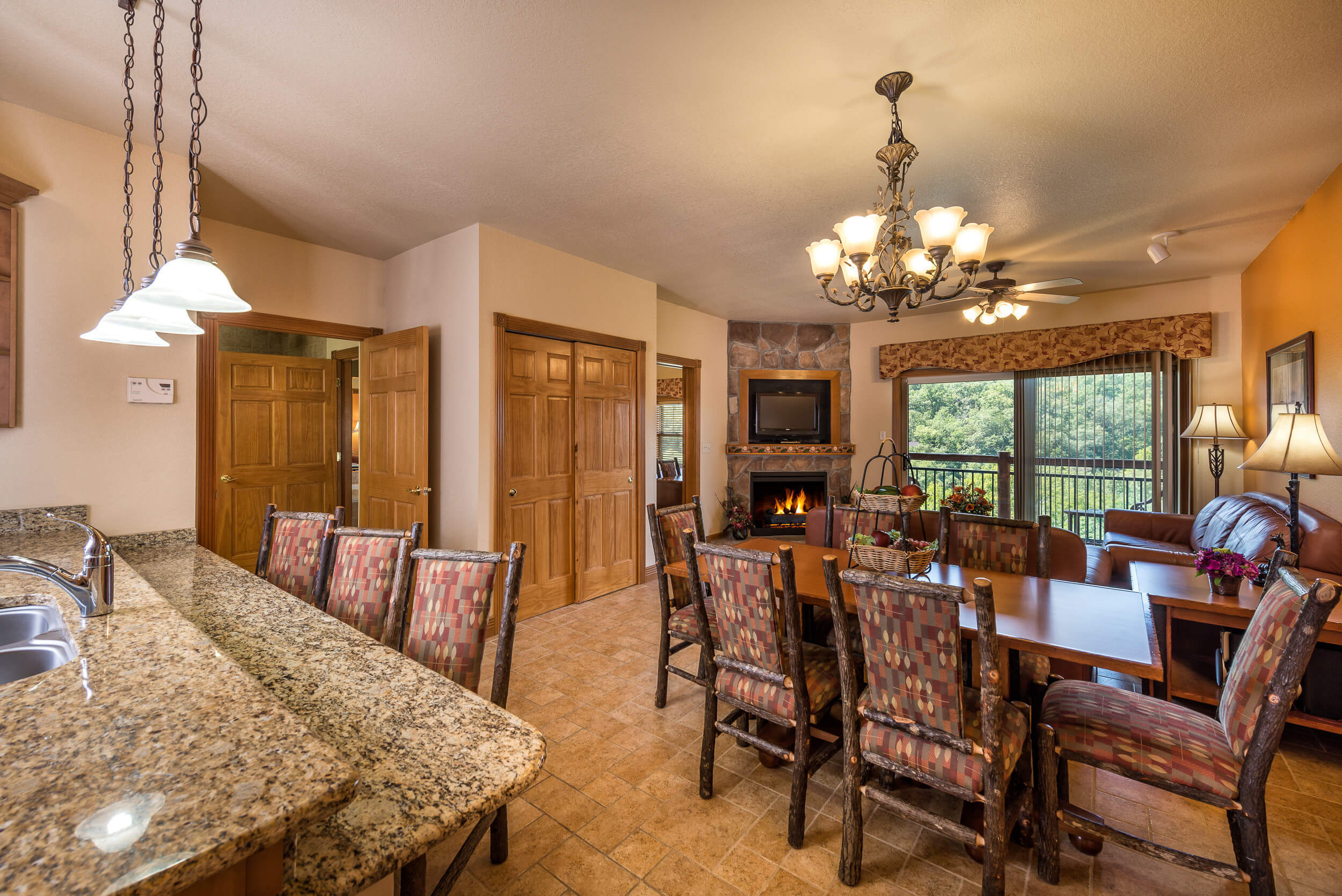 Dining Area in One-Bedroom Grand Villa | Westgate Branson Woods Resort