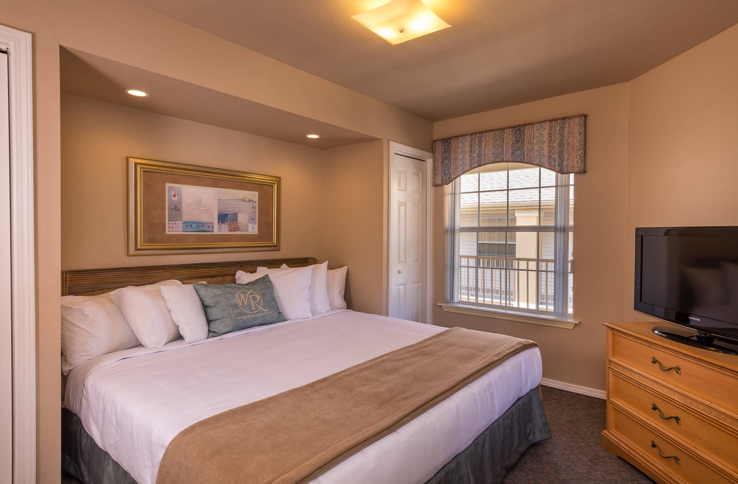 Queen bed in One-Bedroom Villa | Westgate Branson Lakes Resort | Westgate Family Resorts in Missouri