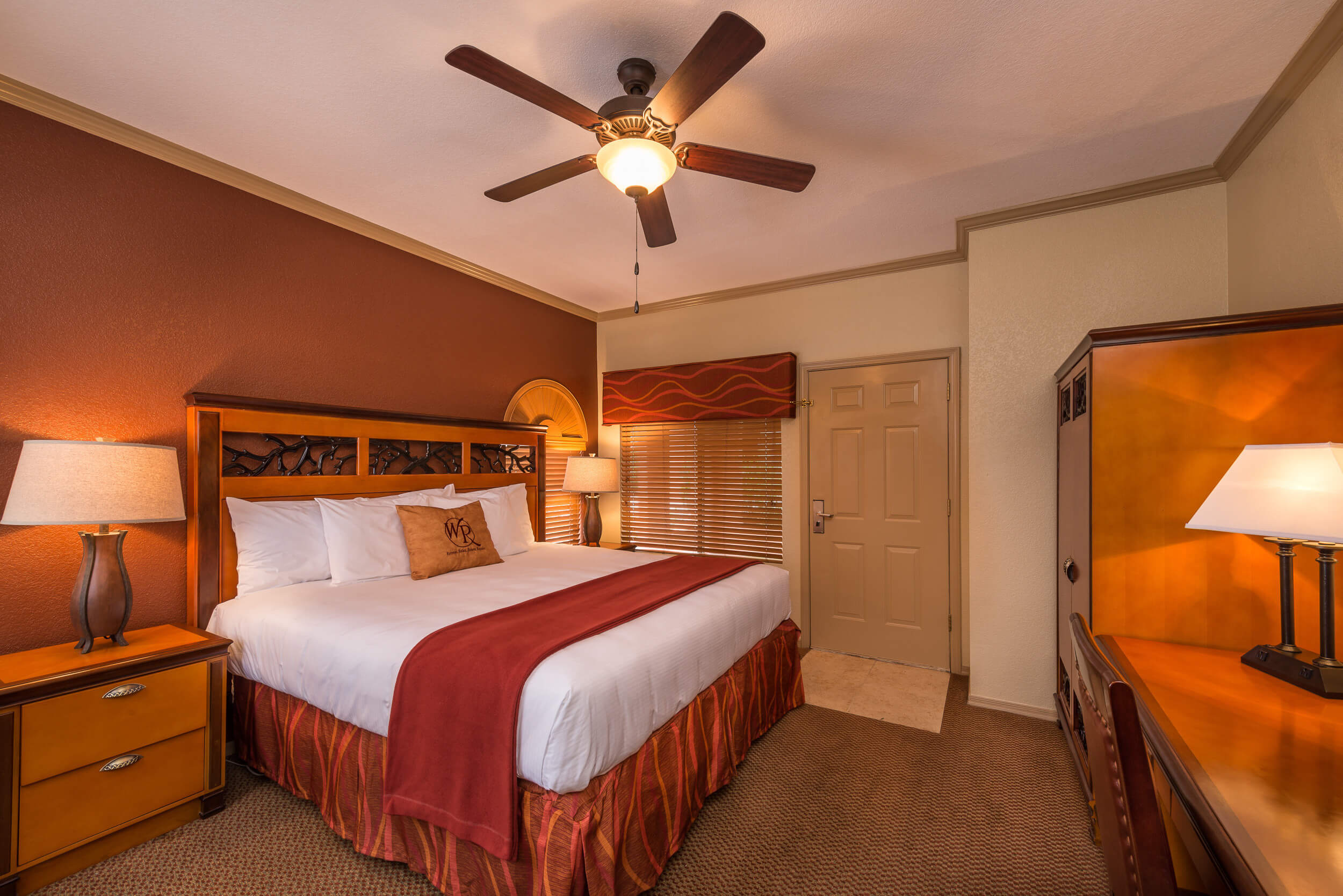 King Bed in Two-Bedroom Villa | Westgate Painted Mountain Golf Resort