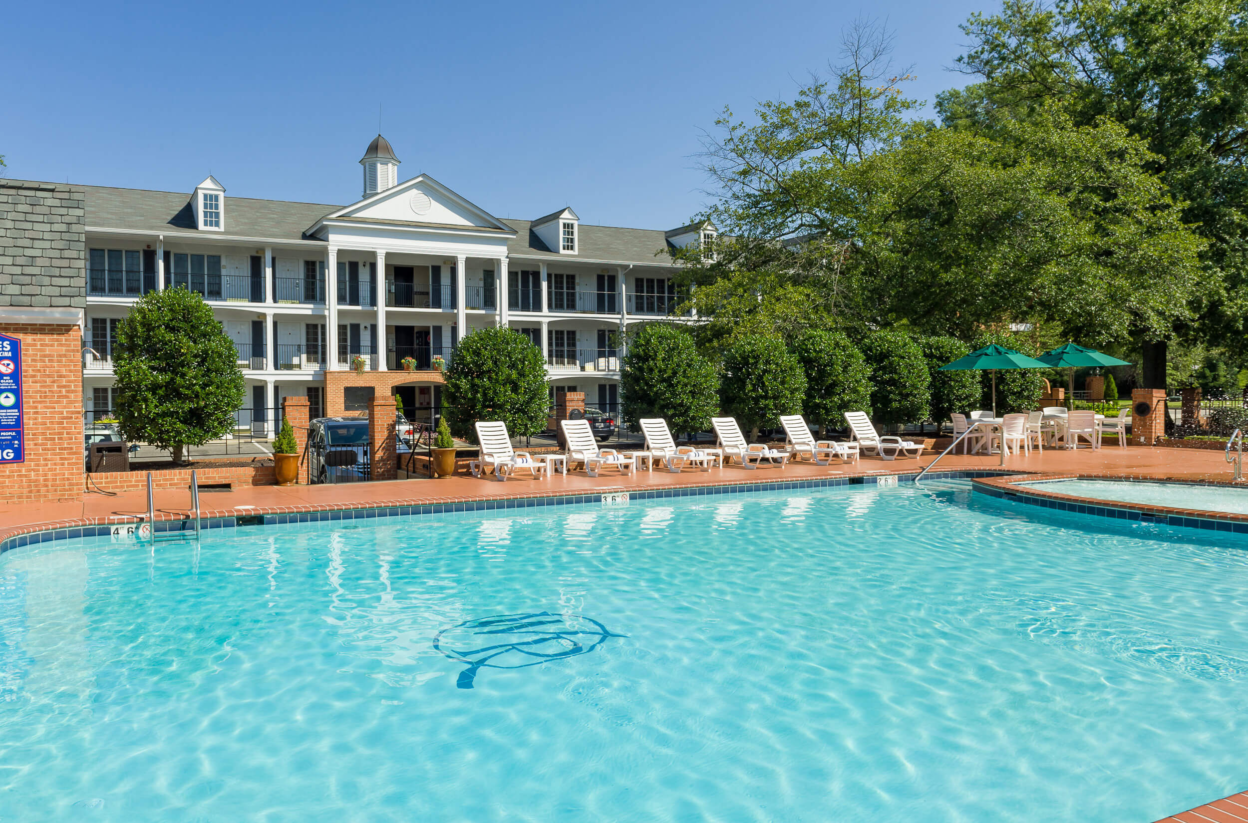 Onsite amenities include heated outdoor pool and hot tub | Westgate Historic Williamsburg Resort