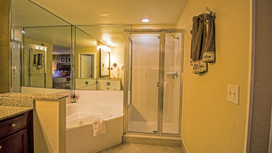 Bathroom in Two-Bedroom Deluxe Villas | Westgate Blue Tree Resort | Westgate Resorts Orlando
