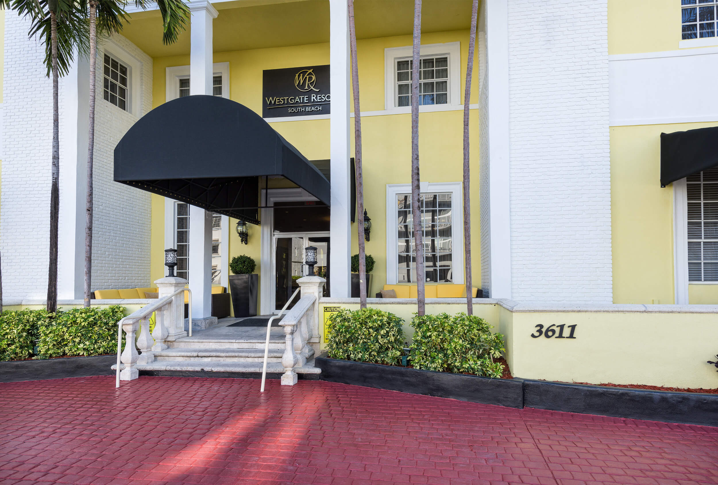 Main resort entrance with awning | Westgate South Beach Oceanfront Resort