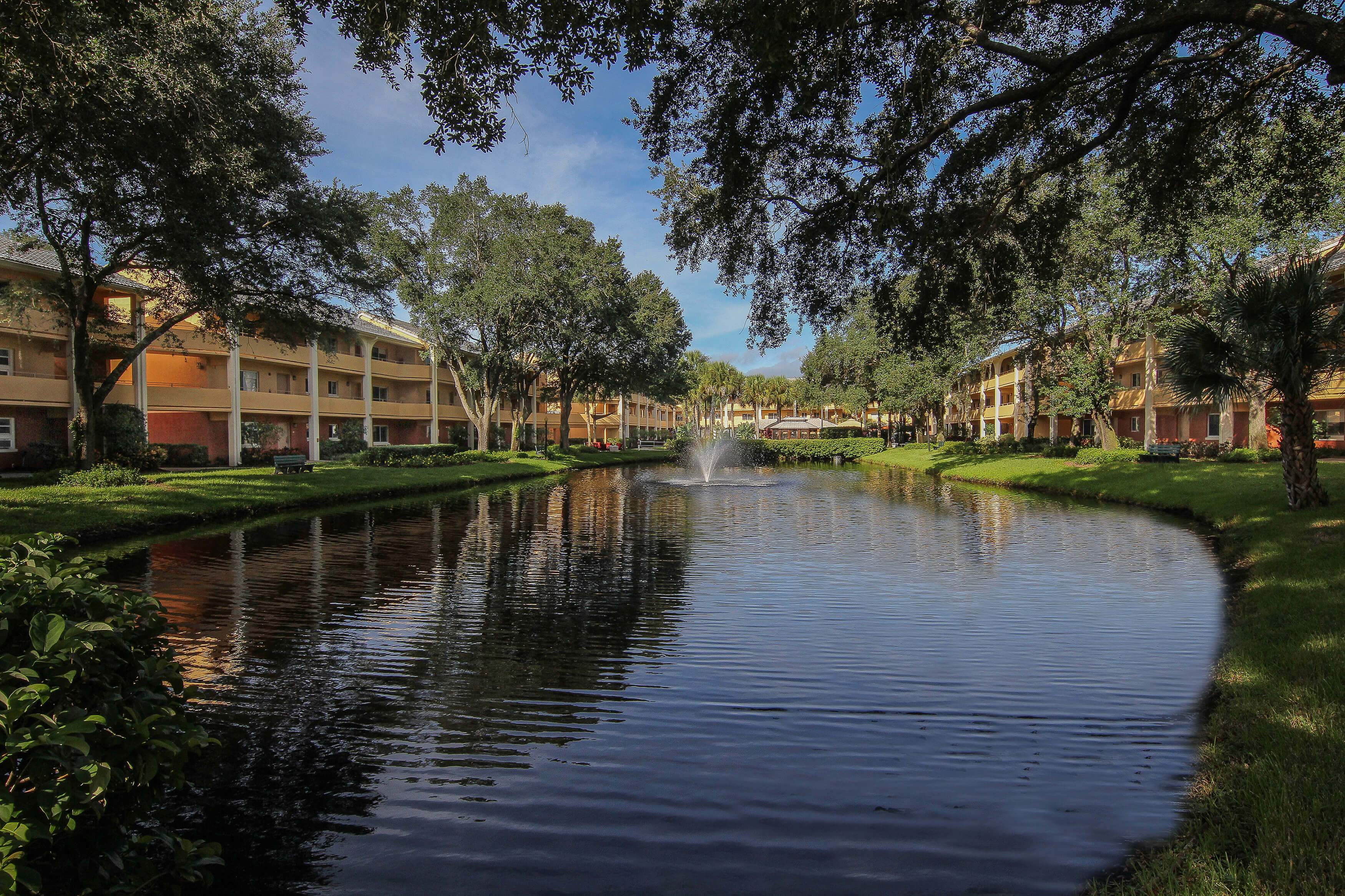 Lake at our leisure resort in Orlando FL | Westgate Leisure Resort | Westgate Resorts