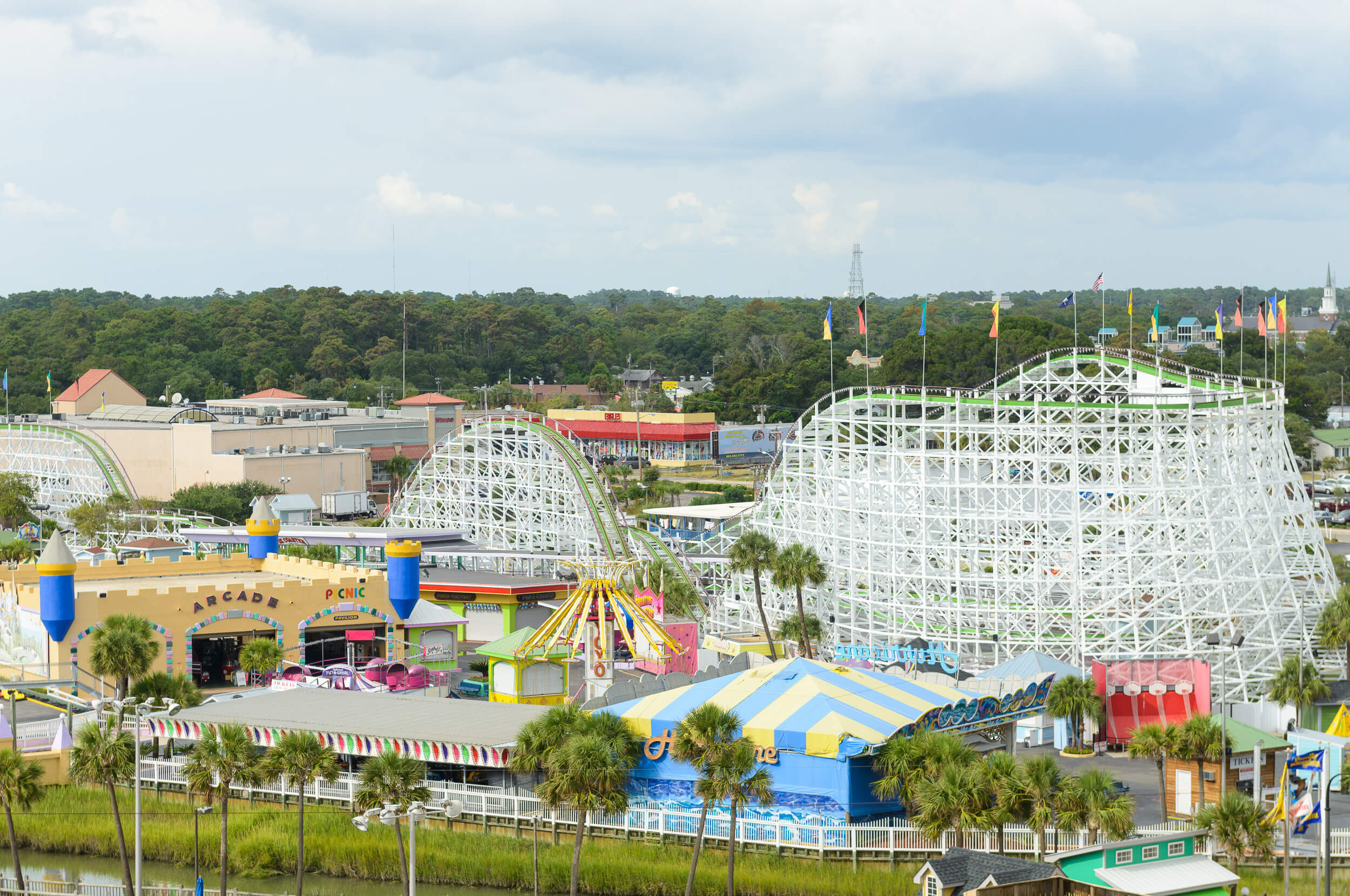 Westgate Myrtle Beach Resort is across the street from Family Kingdom Amusement Park & Minutes from Broadway at the Beach! | Westgate Resorts
