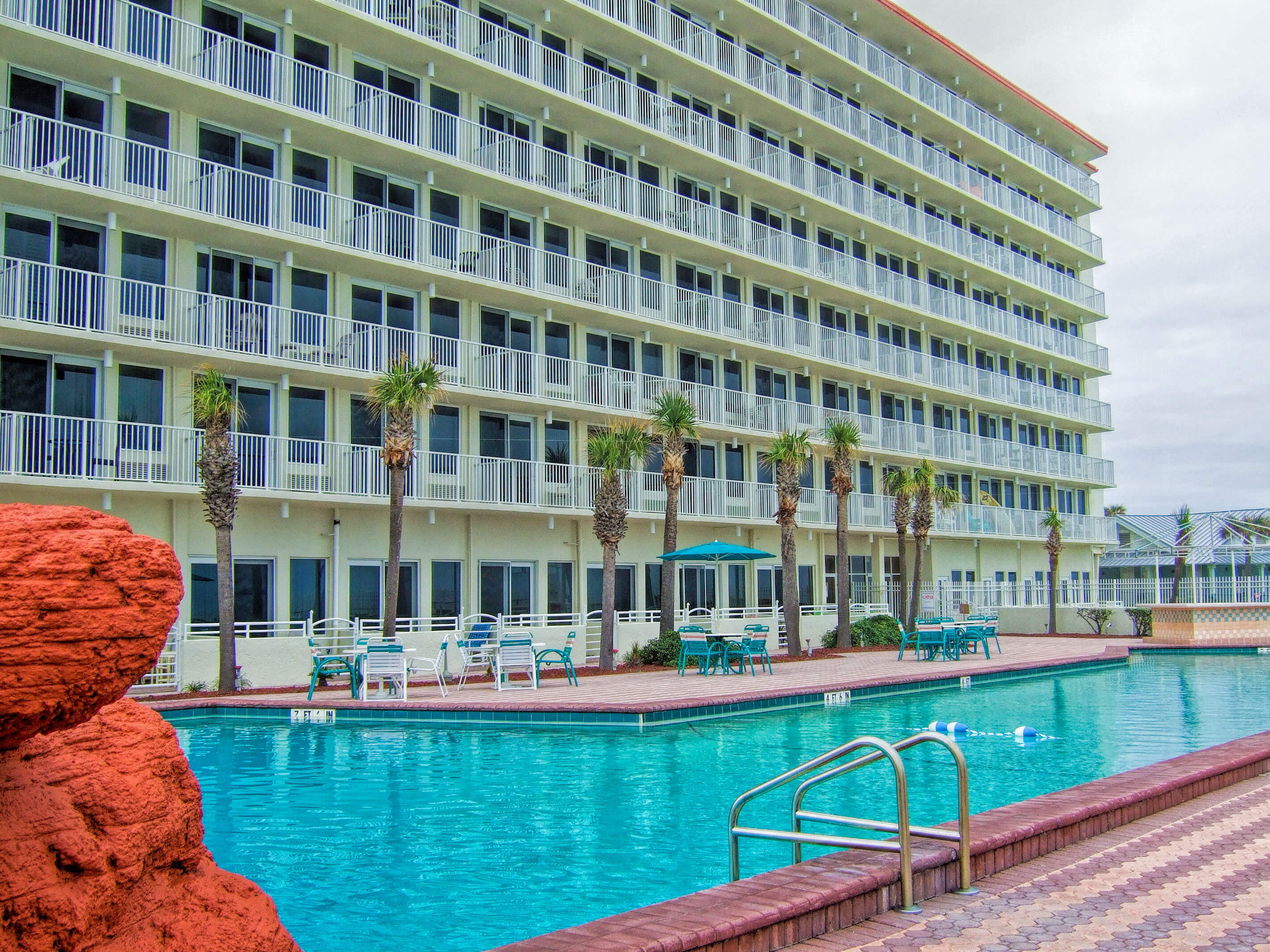 Westgate Resorts | Heated outdoor pool at Daytona Beach resort | Harbour Beach Resort